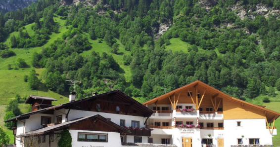 Südtirol: 2 Übernachtungen für 2 Personen im Doppelzimmer inkl. Frühstück + Wellness im Hotel Argentum Gossensass für 99€