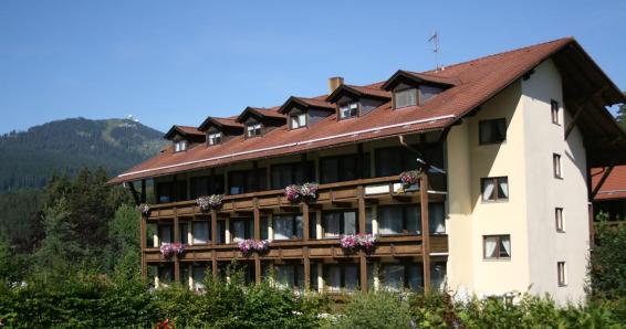 Bayerisch Eisenstein: 2 Übernachtungen im Doppelzimmer des Apparthotels Arberblick inklusive Frühstück für 2 Personenk Sauna, Dampfbad & Hallenbad