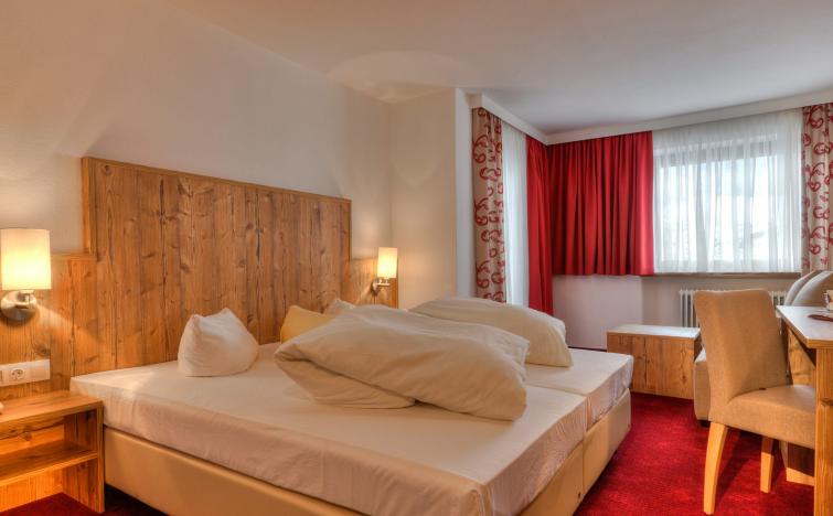 2 Übernachtungen für 2 Pers. im standard Doppelzimmer (mit Balkon) Inkl. täglichem Frühstücksbuffet im Hotel Kögele in Österreich
