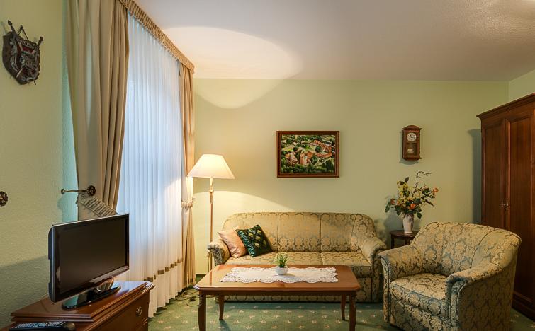 Tollensesee: 3 Tage im DZ bzw. Komfortzimmer inkl. Frühstück und Burgtickets für 2 Personen für 99€ statt 190€