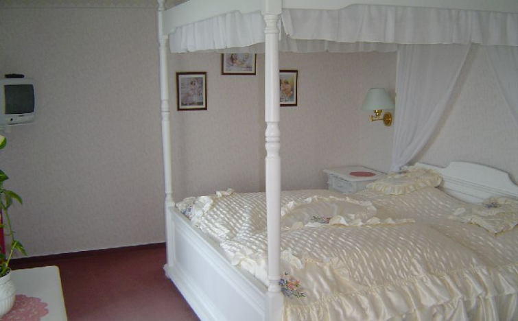 2 Übernachtungen im Doppelzimmer Übernachtung im DZ Standard Landseite oder Dachgeschoß inkl. Frühstück im Haffidyll - Hotel und Restaurant