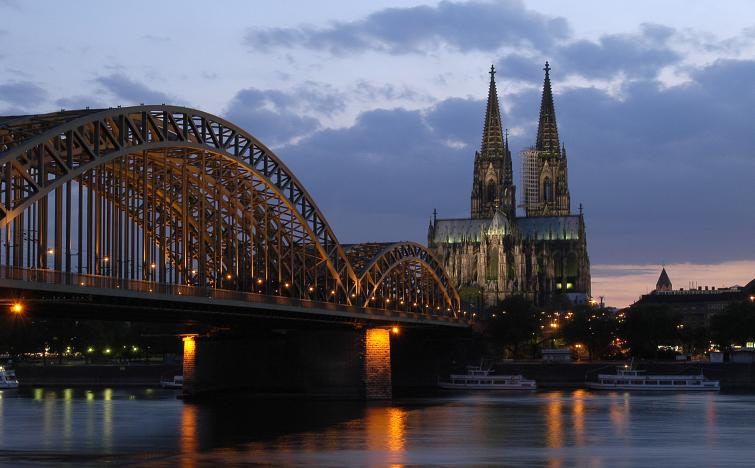 3 Tage in einem Standard-Zweibettzimmer (Twinbett) oder Doppelzimmer (nach Verfügbarkeit) im Hotel Kaiser in Köln  für 111€ statt 234€